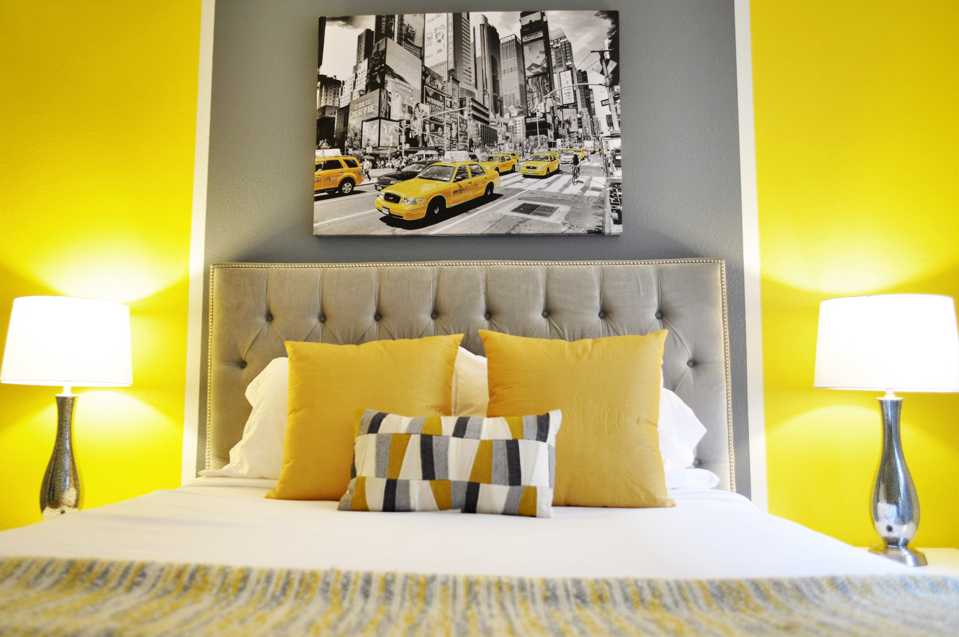 yellow bedroom2